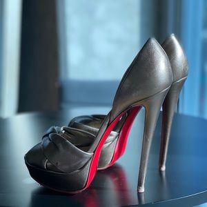 Auth Christian louboutin heels
